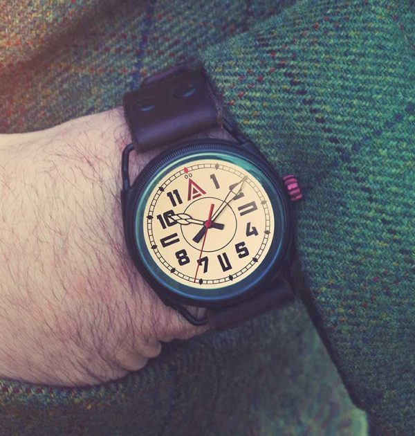White Military Watch 'No. 1914' Jacket Wristshot Built in Britain by W. T. Author