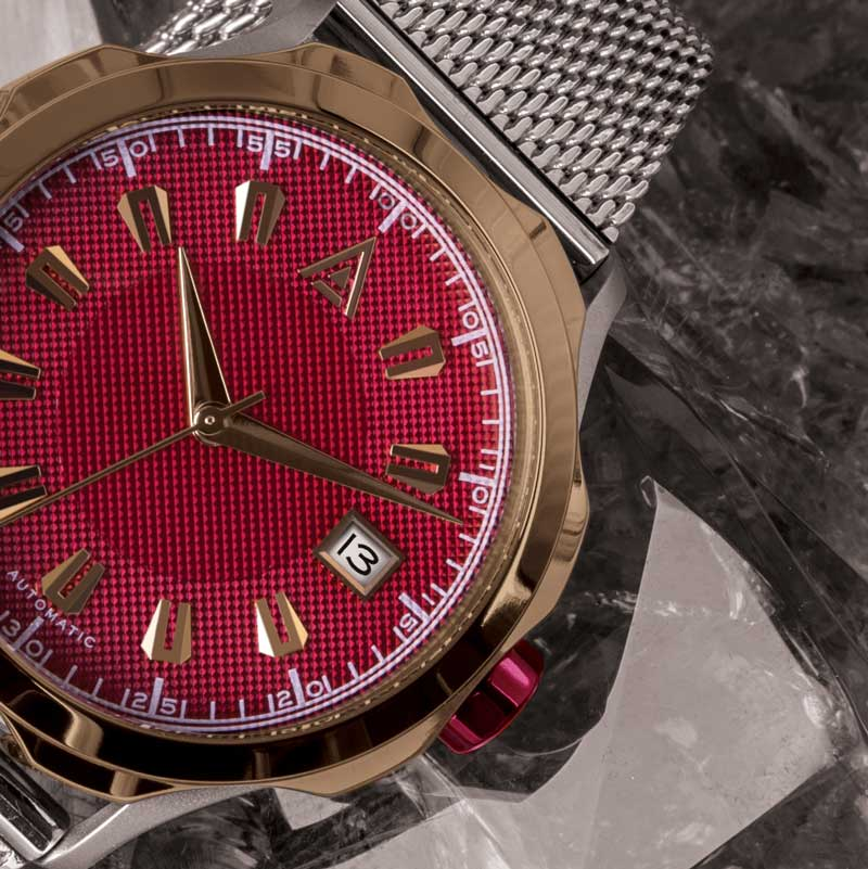 DRESS MEN'S WATCHES RED CLOSE UP WT AUTHOR