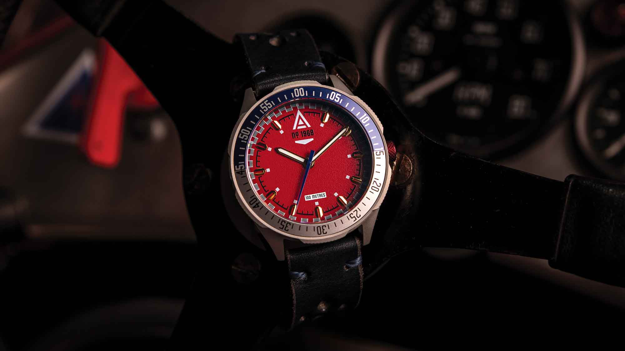 racing watch no 1968 red wt author
