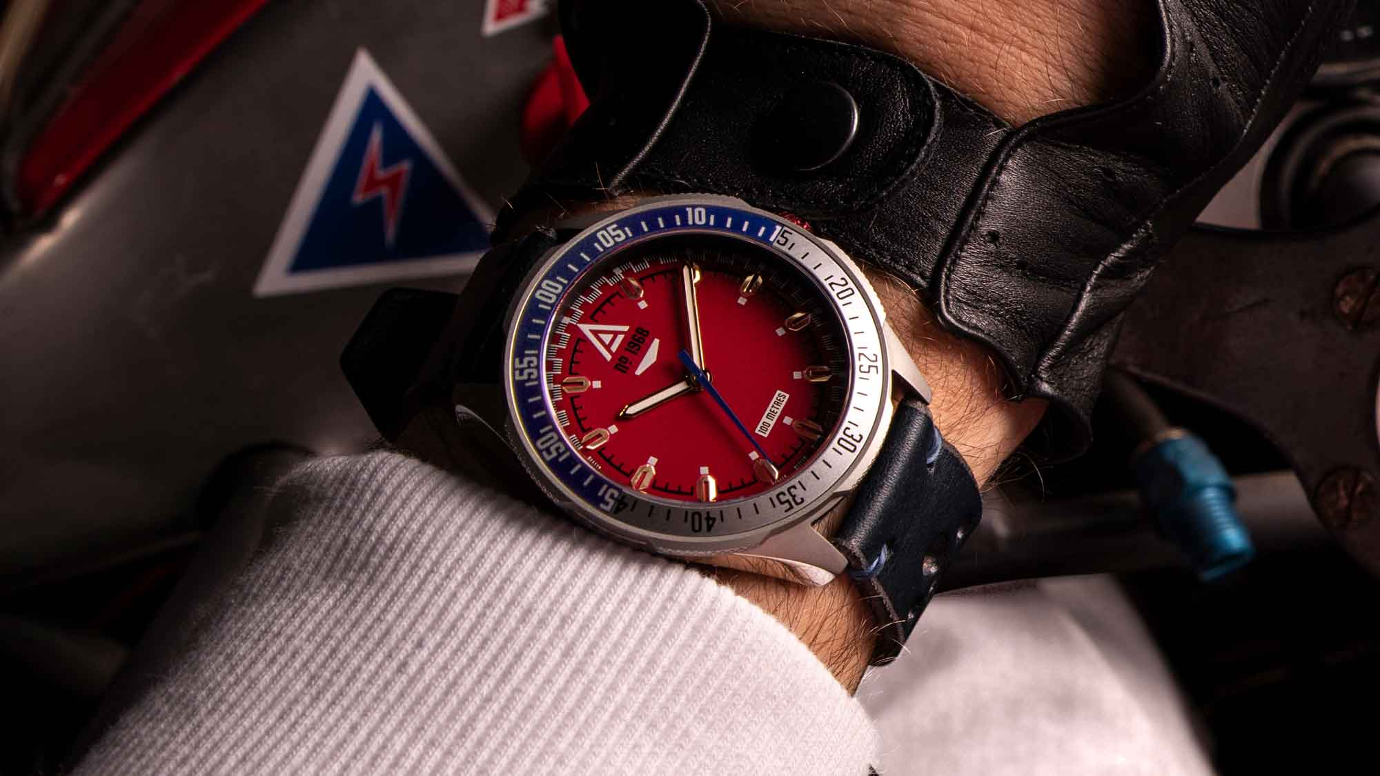 racing watch wt author red no 1968 wrist shot
