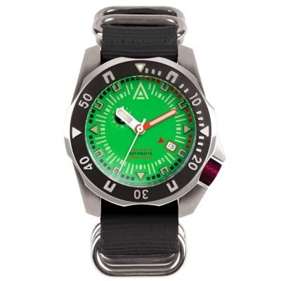 divers watches green dial black nylon nato strap wt author front