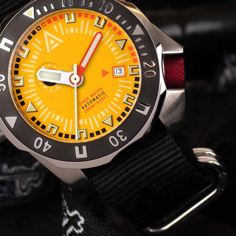 deep dive watches wt author yellow 1973
